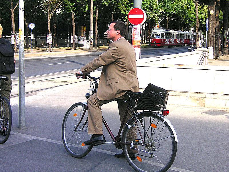 Cycling Photo by Gengiskanhg